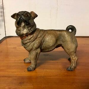 Terracotta bemalet hund