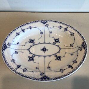 Royal Copenhagen Musselmalet Halvblonde Ovalt Fad #533 i porcelæn